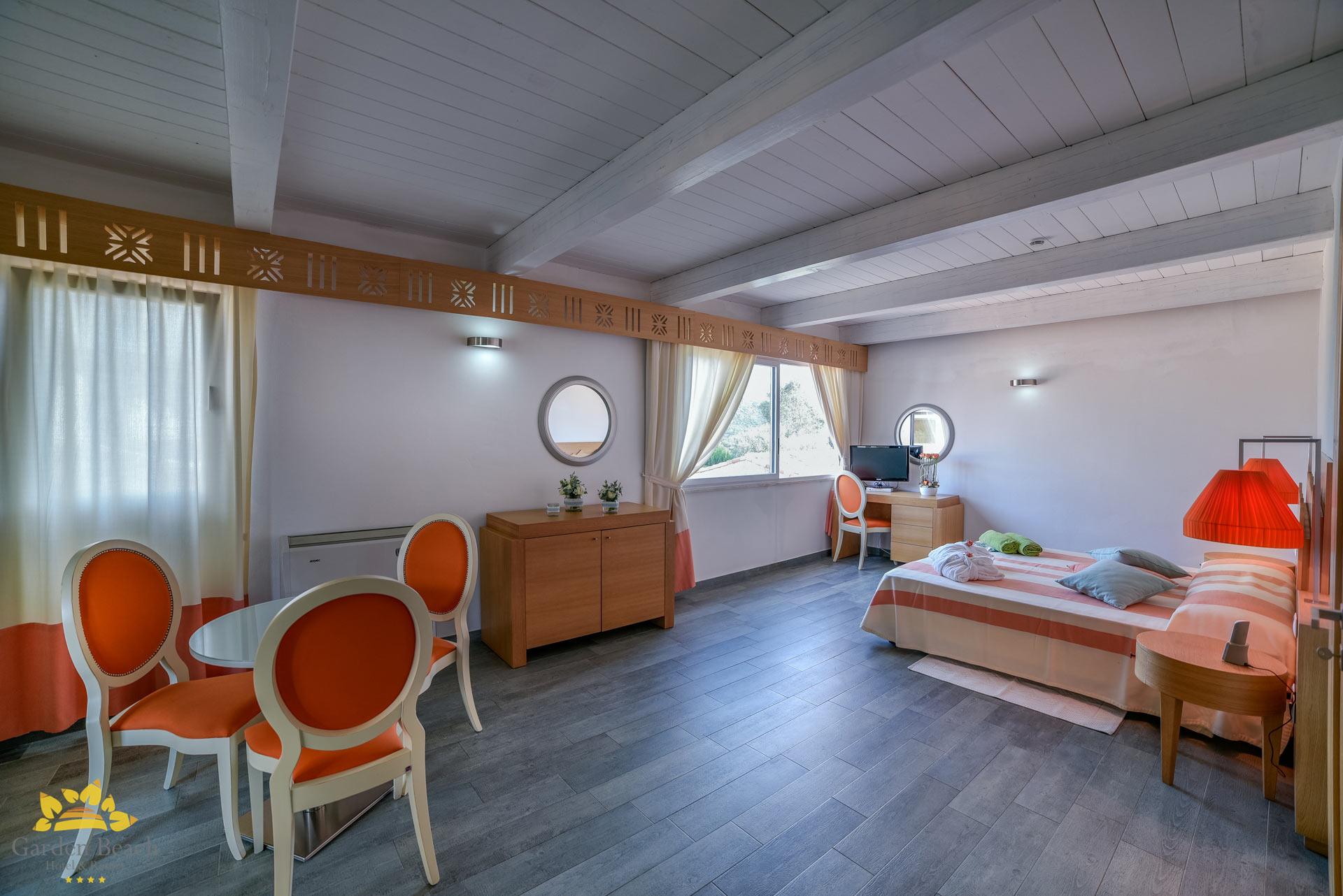 hotel-garden-beach---4-pax-junior-suite-10-2